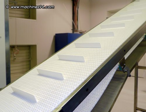 Inclined conveyor for french bread